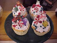 Holiday Cheer Cupcakes