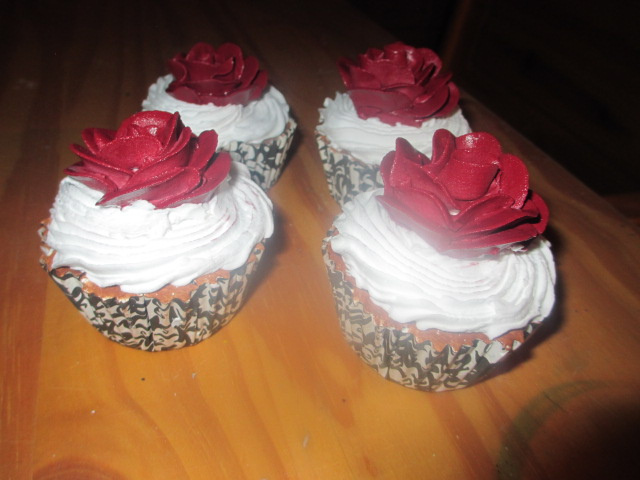 Red Rose Topped Cupcakes