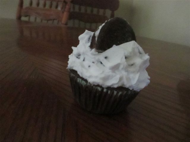 Cookie Topped Cupcake
