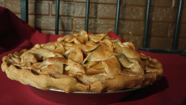 Over Stuffed Apple Pie Twisted Top